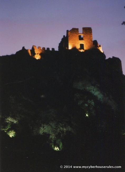 Chateau de Padern nuit